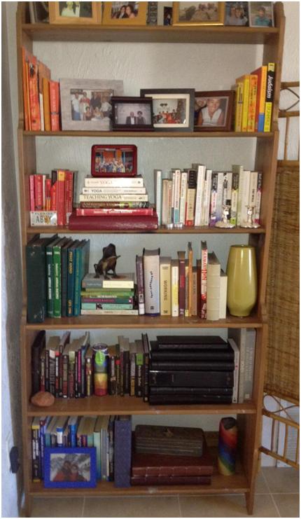 A Reader S Awesome Rainbow Bookshelf Roomology